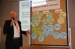 Vorstellung der Diskussionsergebnisse durch Frank Duensing (IG BAU)